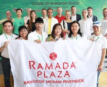 Volunteer on Clean Up Bangkok River